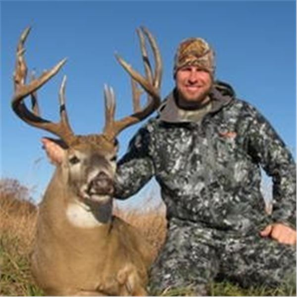 6 Day BOW Whitetail Deer Hunt for One Hunter