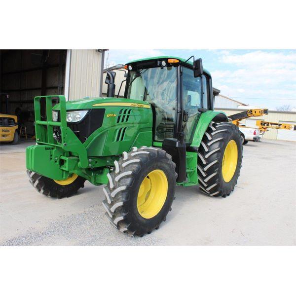 2015 JOHN DEERE 6105M Farm Tractor