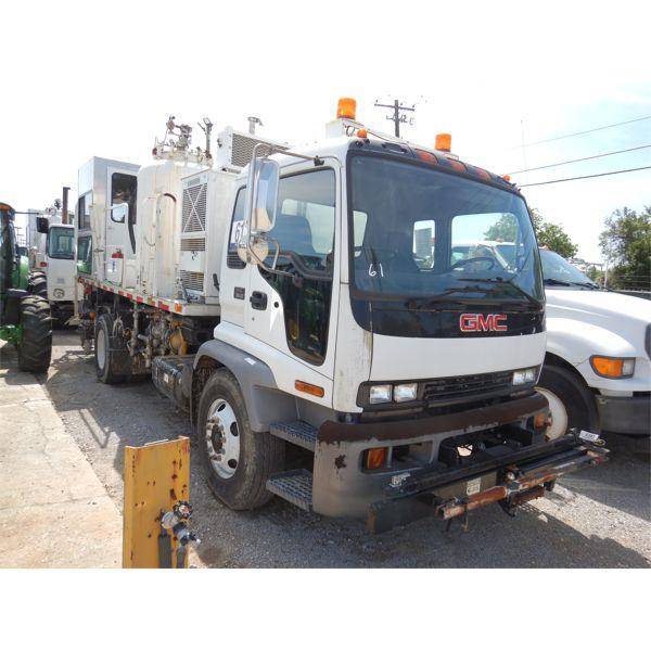 2005 GMC T8500 PAINT STRIPER Specialty Truck