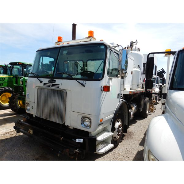 2004 FORD AUTOCAR XPEDITOR WX42 PAINT STRIPER Specialty Truck