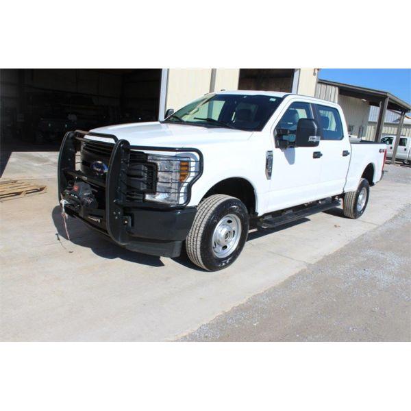 2019 FORD F250 XL Pickup Truck