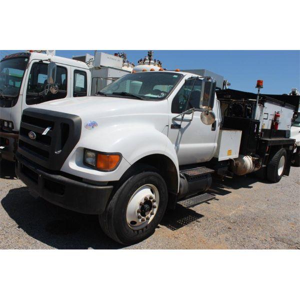 2010 FORD F750 XL POT HOLE PATCHER Asphalt Distributor Truck