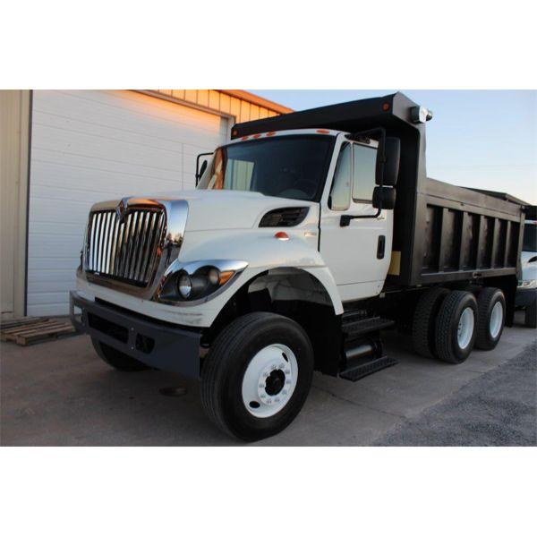 2011 INTERNATIONAL 7400 Dump Truck