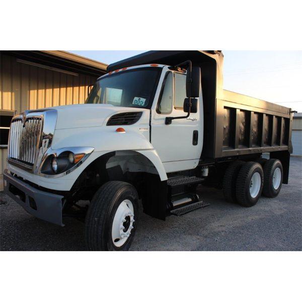2015 INTERNATIONAL 7400 Dump Truck