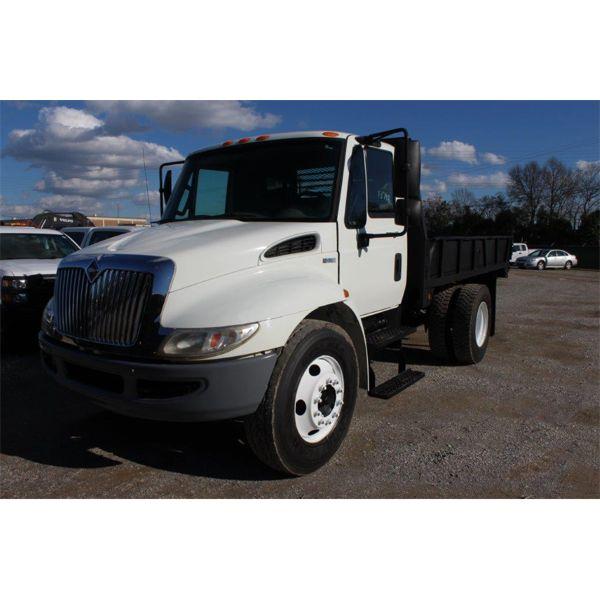2010 INTERNATIONAL 4300 Flatbed Dump Truck