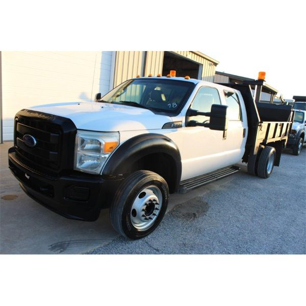 2013 FORD F550 XL Flatbed Truck