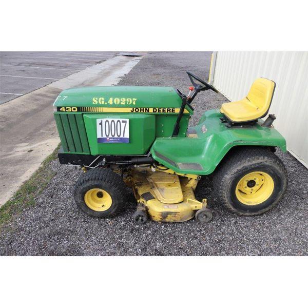 JOHN DEERE 430 Lawn Mower
