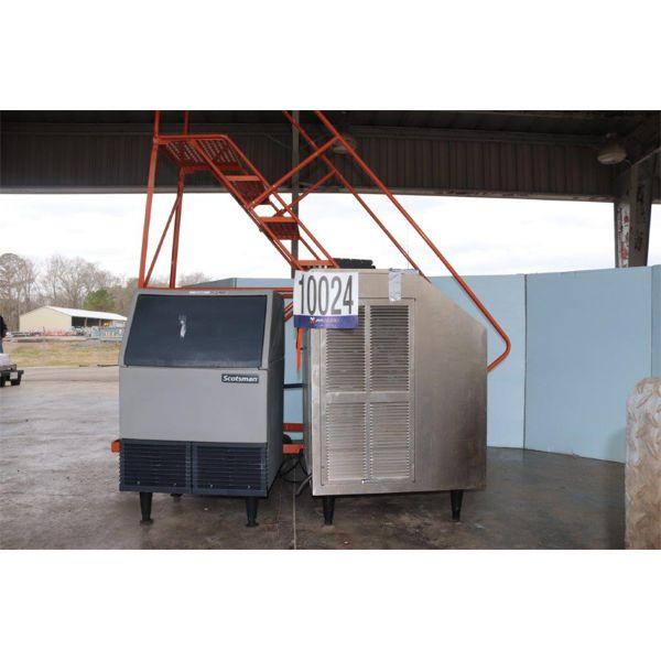 ICE MACHINES, LADDER, Selling Offsite: Located in Guntersville, AL