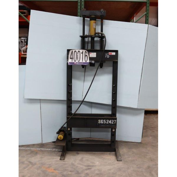 HYDRAULIC PRESS, Selling Offsite: Located in Alexander City, AL