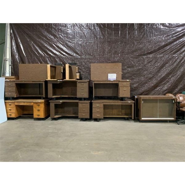 DESKS, BOOKCASES, CHAIRS, Selling Offsite: Located in Tuscaloosa, AL