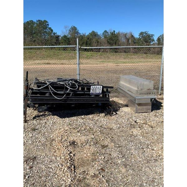 TOOLBOXES, ARROWBOARDS, Selling Offsite: Located in Mobile, AL
