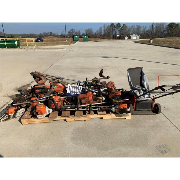 GAS BLOWERS, GRASS TRIMMERS, LAWN MOWER, CHAIN SAWS, Selling Offsite: Located in Fayette, AL