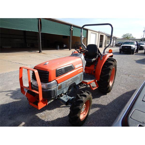 2004 KUBOTA L4330 Farm Tractor