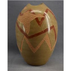 SAN ILDEFONSO INDIAN POTTERY VASE (RUSSELL SANCHEZ)