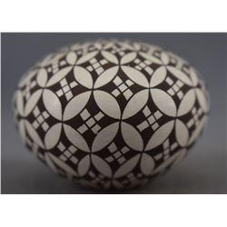 ACOMA INDIAN POTTERY SEED JAR ( RACHEL CONCHO)