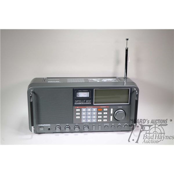 Grundig Satellite 800 Millenium radio with AM/FM/VHF Aircraft/Continuous Shortwave etc., no power pa