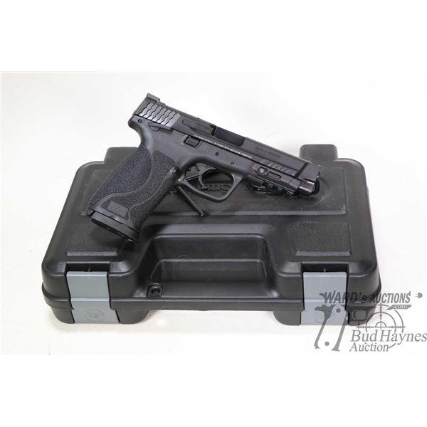 Restricted handgun S&W model M&P 45 M 2.0, 45 Auto ten shot semi automatic, w/ bbl length 117mm [Blu