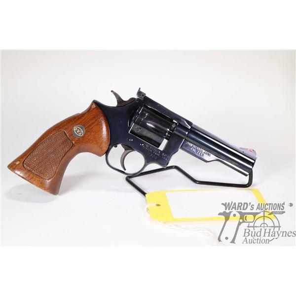 Prohib 12-6 handgun Dan Wesson model Mod. 22, .22 LR six shot double action revolver, w/ bbl length