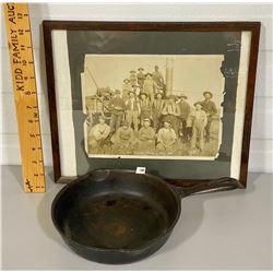 "1905 PHOTO OF ""THE PERKINS THRESHING GANG' & CAST FRYING PAN"