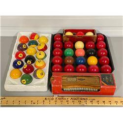 VINTAGE POOL SET - BALLS & TABLE BRUNSWICK BRUSH
