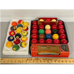 VINTAGE POOL SET - BALLS & TABLE BRUNSWICK BRUSH