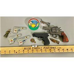 LOT OF VINTAGE TOYS - CAP GUNS, LEAD SOLDIERS, ETC
