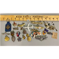 LOT OF 29 MISC PINS / MEDALS - SOME MILITARIA