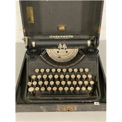 UNDERWOOD TYPEWRITER IN ORIGINAL PORTABLE CASE