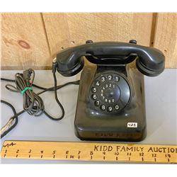 SIEMENS - EUROPEAN BAKELITE ROTARY TELEPHONE