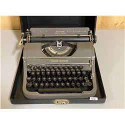 UNDERWOOD UNIVERSAL MODEL PORTABLE TYPEWRITER W/ MANUAL