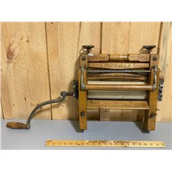 IMPERIAL ANTIQUE WASHER ROLLERS - NO 171 - GOOD GRAPHICS