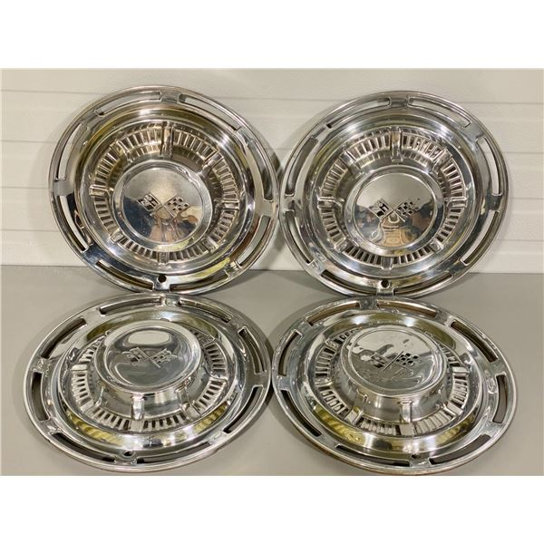 LOT OF 4 CHEV HUBCAPS
