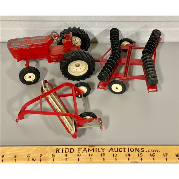ERTL TOY TRACTOR W/ 2 IMPLEMENTS