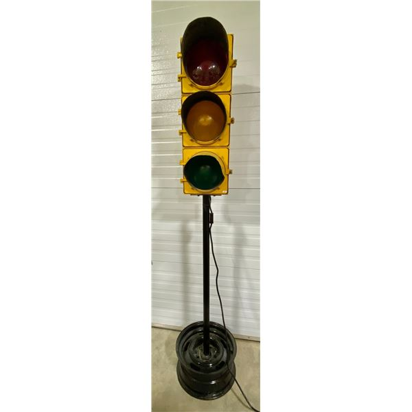 "WIRED VINTAGE STOP LIGHT - 80"" TALL ON STAND"