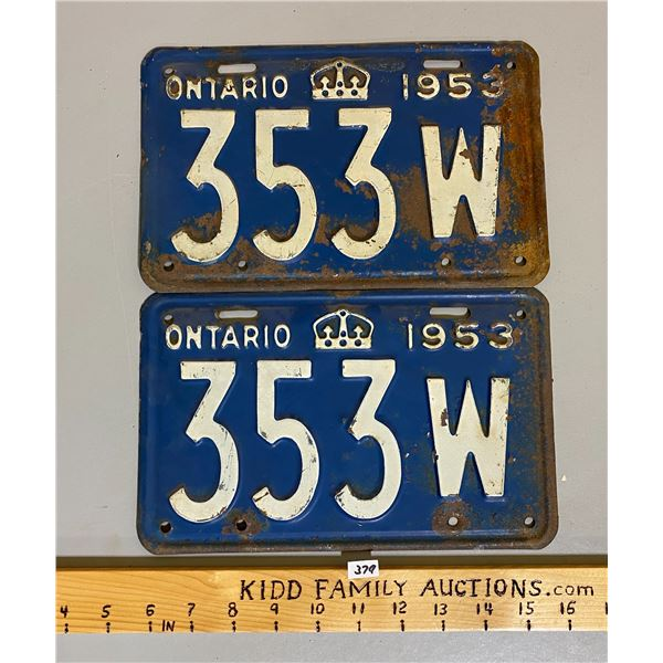 LOT OF ONTARIO LICENCE PLATES - 1953 PAIR