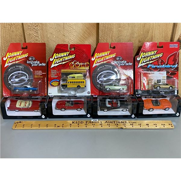 LOT OF 8 DIECAST VEHICLES