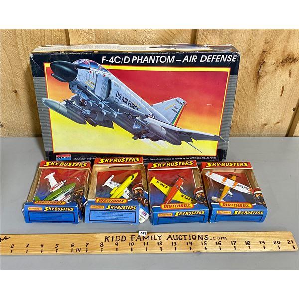 1/48 SCALE F-4C/D PHANTOM MODEL & 4 X DIECAST MATCHBOX PLANES