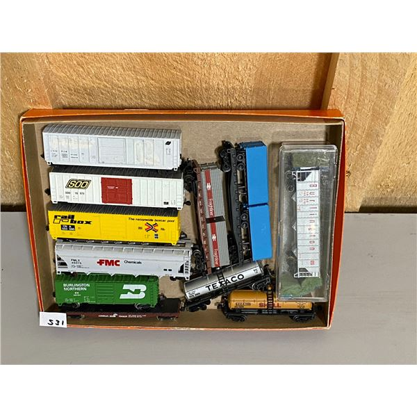 LOT OF 11 MISC N SCALE ELECTRIC TRAIN PIECES