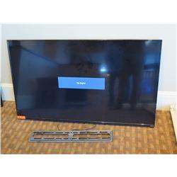 "Vizio 60"" LED Smart HDTV Television E60-C3 w/ Wall Mount"