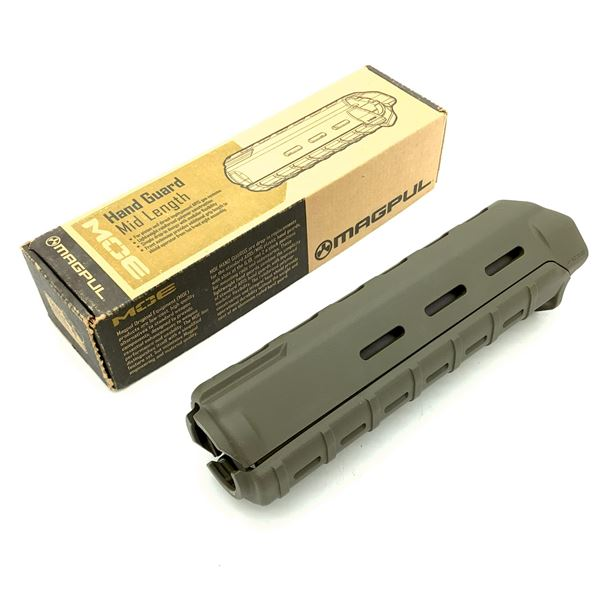 "Magpull AR15 Moe Hand Guard - Midlength 9"", New"