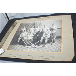 1911 SASKATOON BANKERS HOCKEY TEAM PHOTOGRAPH