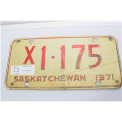 1971 TAXI  SASKATCHEWAN LICENSE PLATE