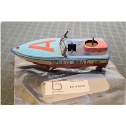 TIN TOY SPEED BOAT AS IS