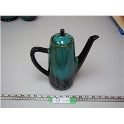 BLUE MOUNTAIN TEA POT