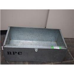 ALUMINUM METAL BOX (16 X 11 X 30 1/4 IN LONG)