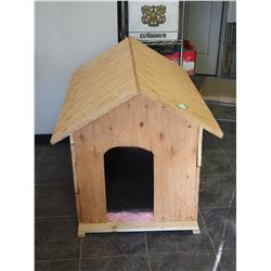 WOODEN HOMEMADE DOG HOUSE INSULATED FLOOR
