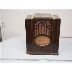 ANTIQUE RADIO CABINET (18 HIGH X 15 WIDE)