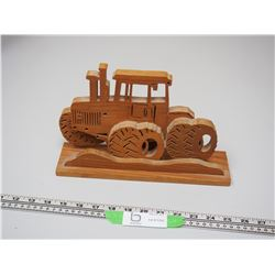 TRACTOR WOODEN CARVING