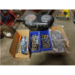 Lot of shackle, double burner, clips and more