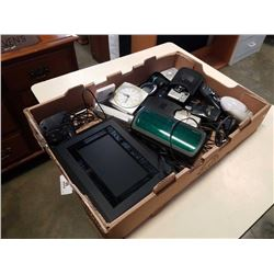 TRAY OF ELECTRONICS, DIGITAL PICTURE FRAME